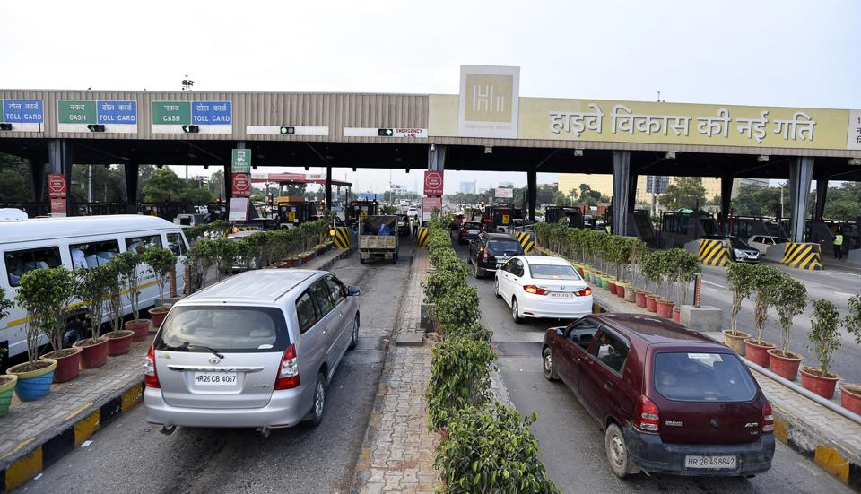 According to officials of the National Highways Authority of India (NHAI), more than 40,000 vehicles cross the Kherki Daula toll daily.