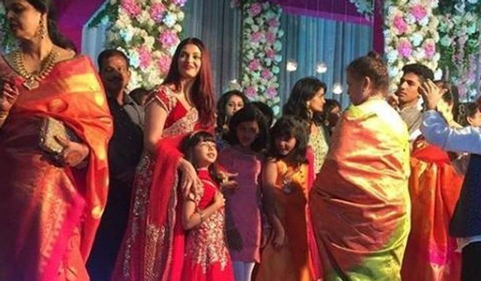 Aishwarya Rai Stuns In Red At Cousins Wedding And Aaradhya Is Her