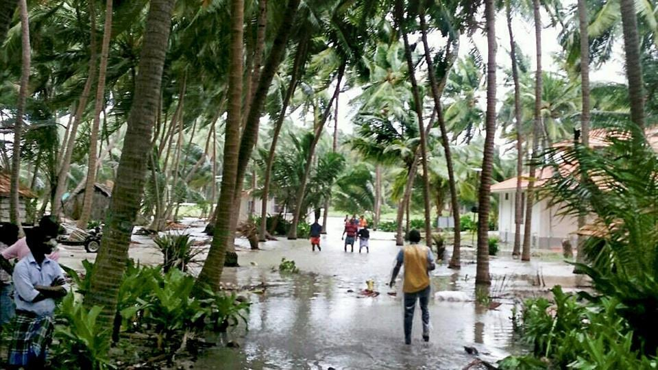 Gujarat braces for cyclone Ockhi, coasts on high alert