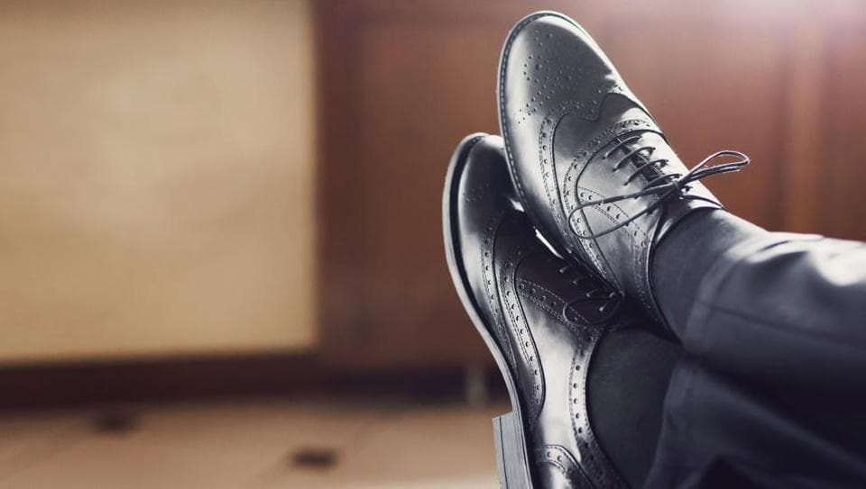 From high-tops to slip-ons to lace-ups, there is so much you can choose from when it comes to black casual shoes.