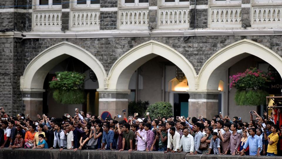 People thronged at Gateway of India to watch the celebrations. (Kunal Patil/HT PHOTO)