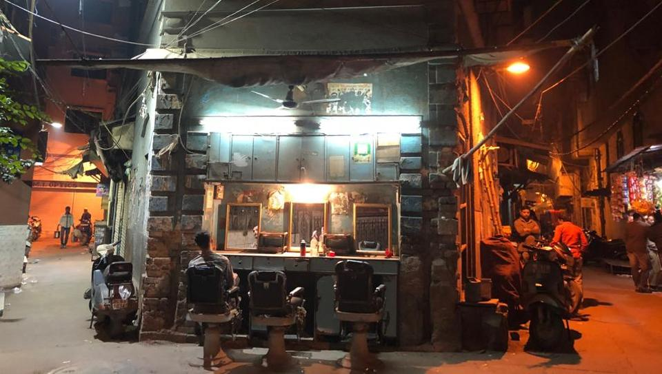 Sajid's establishment is located extraordinarily at the intersection of Galli Mahal Sari and Gali Patna Wali in Ballimaran, the neighbourhood where Ghalib lived more than a century ago.