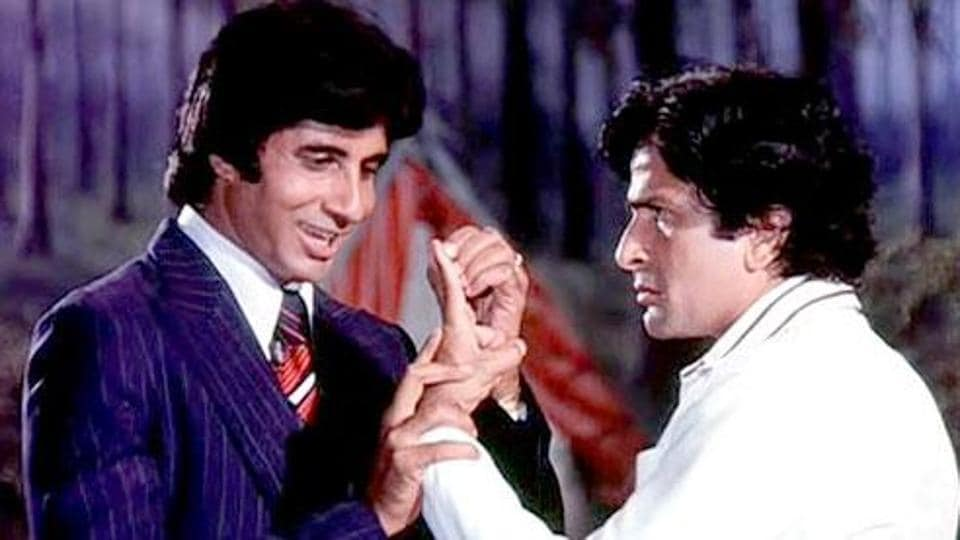 Amitabh Bachchan penned a heartbreaking tribute to Shashi Kapoor who died on Monday evening. The two have acted in a number of films including Deewar and Suhaag.