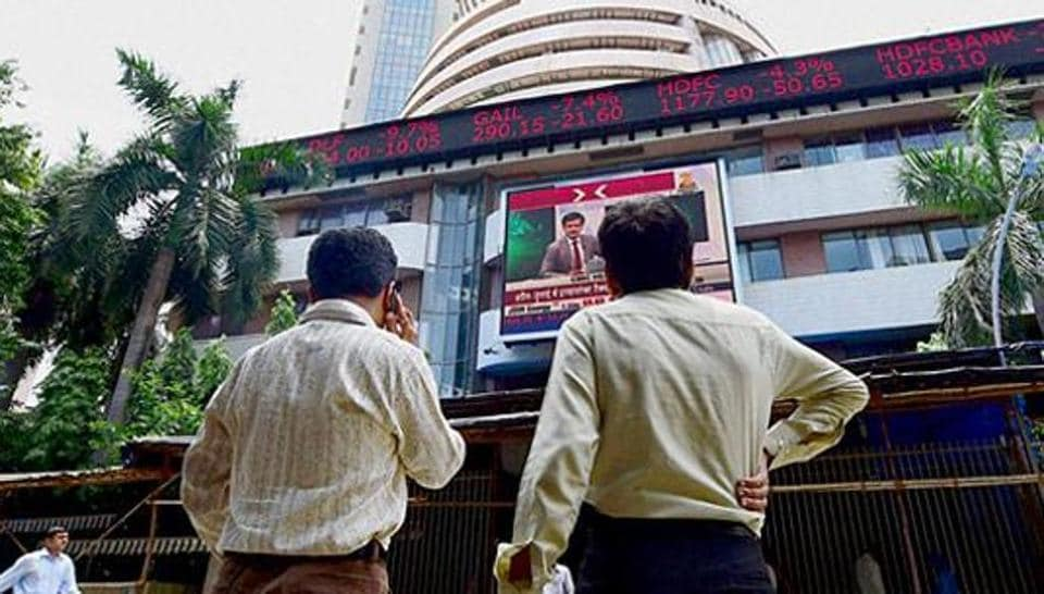 Sensex zooms 301 points to close at 33250; Nifty finishes at 10265