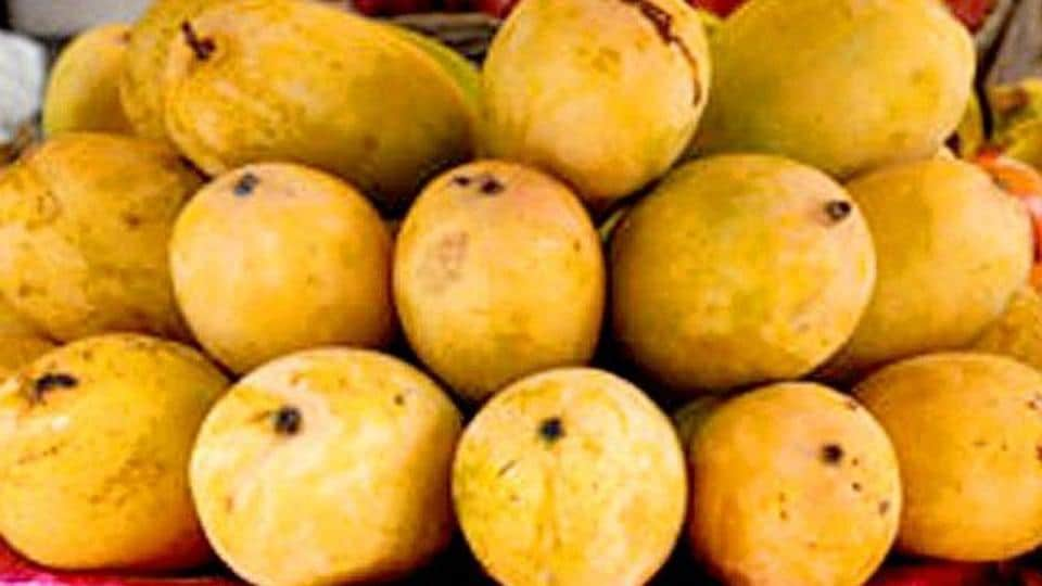 Jardalu mango is known for its light yellow skin and special aroma.