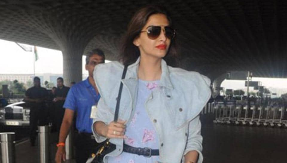 Thank you, Sonam Kapoor, for choosing an airport look that equal parts stylish and comfortable.