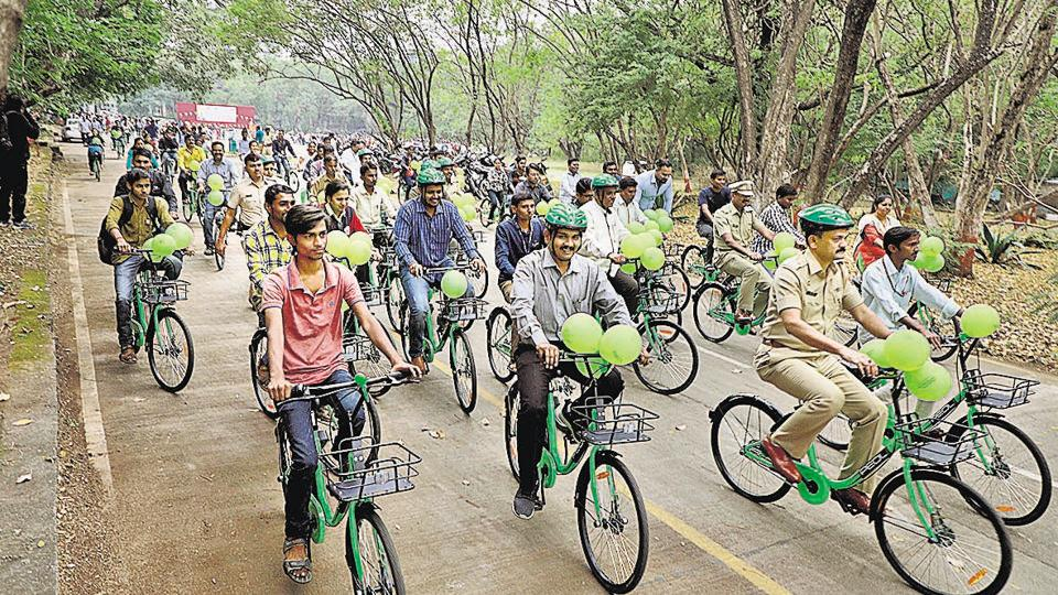 Residents from all walks of life took part at the PEDL share-a-cycle trial project inauguration at SSPU in Pune on December 5.
