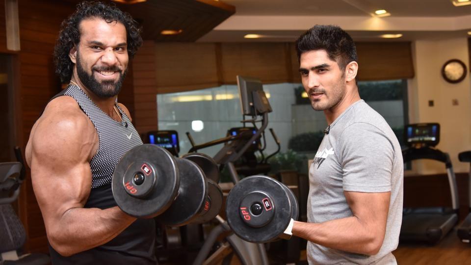 WWEsuperstar Jinder Mahal trains with boxer Vijender Singh in New Delhi.
