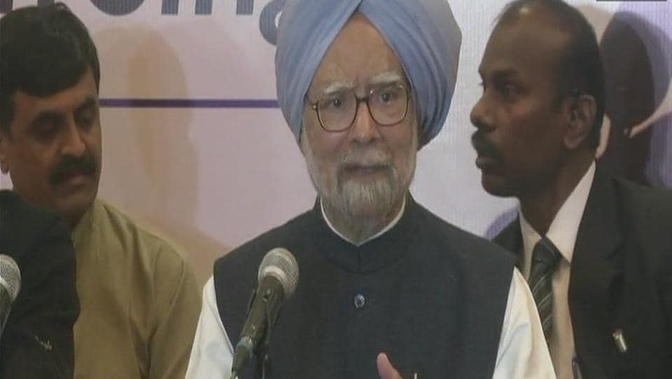 Former prime minister Manmohan Singh at the press conference in Rajkot on Thursday.