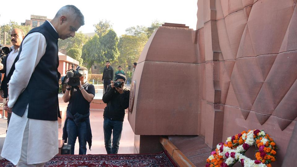 Mayor of London Sadiq Khan lays a wreath as he pays tribute to martyrs at Jallianwala Bagh, Amritsar, December 6.  It is time that the Queen or the British prime minister tendered an unequivocal apology for the Jallianwala Bagh massacre and owned up to similar atrocities committed by its forces on the people it colonised