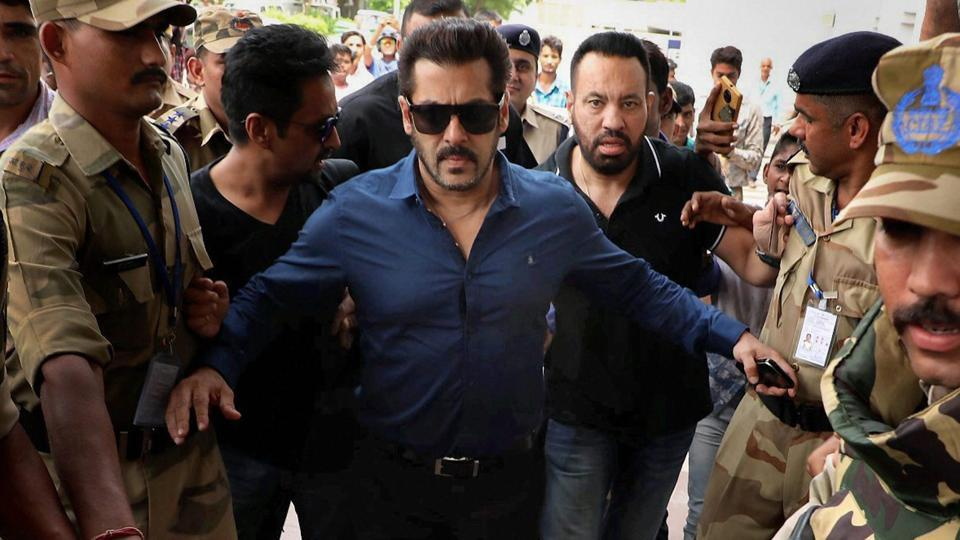 Bollywood actor Salman Khan leaves for Mumbai after appearing in district and sessions court in connection with an Arms Act case, in Jodhpur.