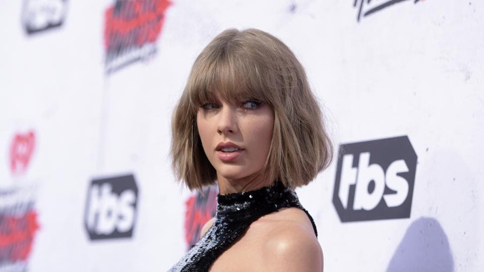 David Mueller, a former radio DJ was ordered to pay a symbolic $1 to Taylor Swift for groping her at a photo op.
