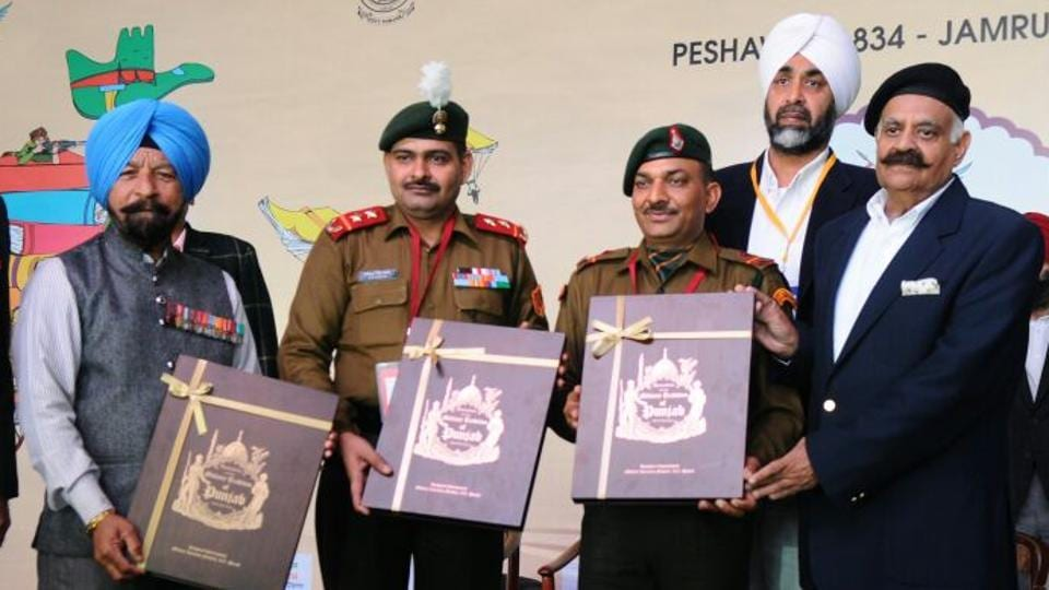 (L-R) Param Vir Chakra (PVC) winners, Captain Bana Singh, Yogender Yadav and  Naib Subedar Sanjay Kumar are felicitated during the inauguration. Capt. Bana Singh was awarded the PVC for recapturing the highest Pakistani post on the Siachen Glacier on June 26, 1987. Naib Subedar Sanjay Kumar and Yogender Yadav were honoured for acts of gallantry during the 1999 Kargil war. (Anil Dayal / HT Photo)