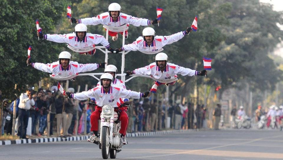 In the countdown to India's first Military Literature Festival, Indian Army's motorcycle daredevil team put on a display in Chandigarh. The two-day festival at the Lake Club, opened Friday as a joint initiative of the Punjab and Chandigarh administrations, supported by the Army's western command. It aims to create awareness about military history and the accomplishments of the Indian armed forces. (Anil Dayal / HT Photo)