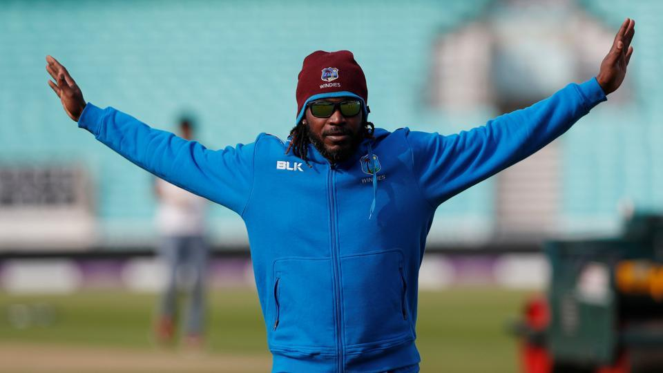 Chris Gayle returned to the Bangladesh Premier League T20 in style by smashing a 45-ball century for Rangpur Riders in Dhaka on Friday.