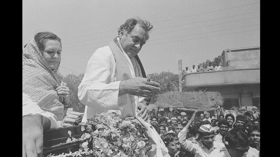 Former Prime Minister of India Rajiv Gandhi with Sonia Gandhi in April 24, 1991. Congress president Sonia Gandhi, who turned 71 on Saturday, will hand over the reins of the grand old party to her son Rahul Gandhi next week after holding the post for a record 19 consecutive years.  (Arun Jetlie / HT ARCHIVE)