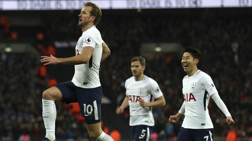 Harry Kane (L) scored twice as Tottenham Hotspur thrashed Stoke City 5-2 in the Premier League on Saturday.