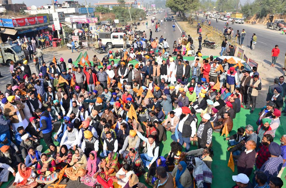 Sukhbir Badal,SAD protest,Punjab news