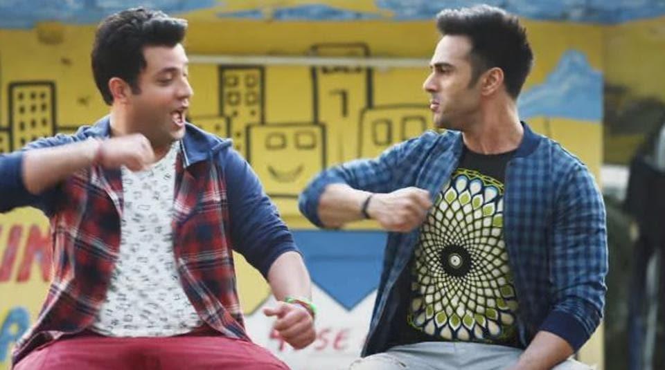 Pulkit Samrat and Varun Sharma in a still from  Fukrey Returns.