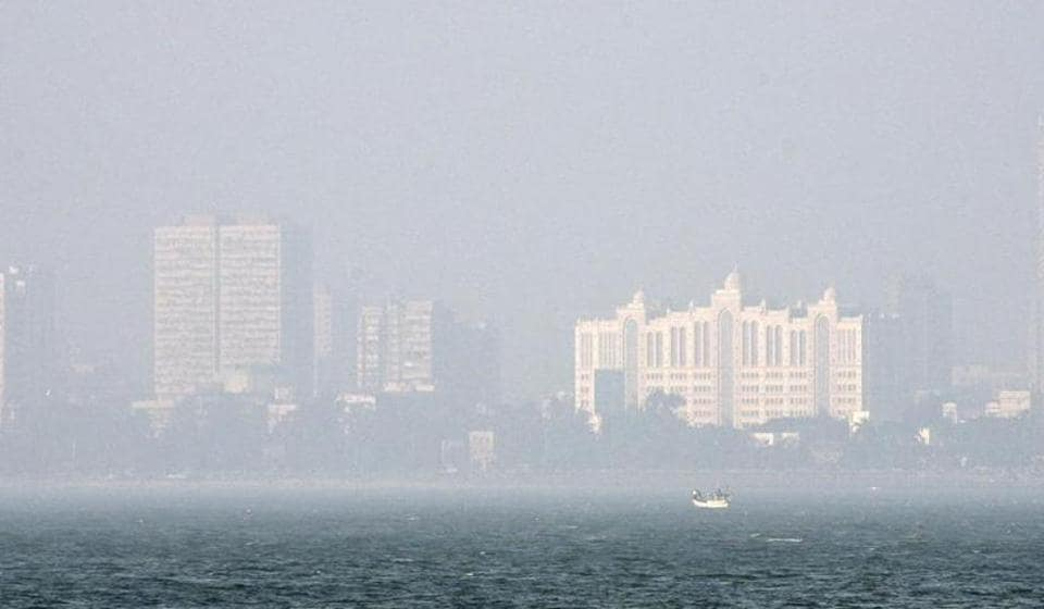 Smog on the central railway line in Mumbai  caused delays and left regular travellers hassled onSaturday.