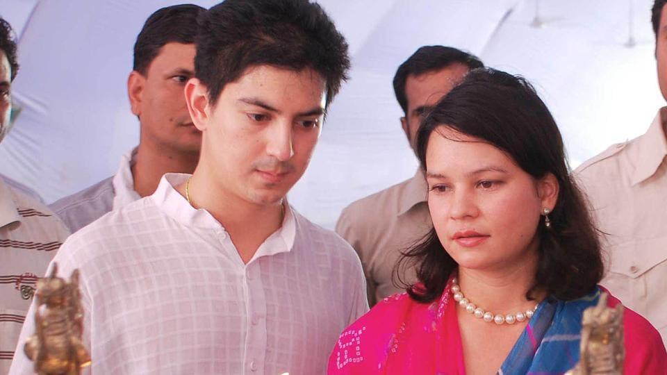 Gayatri Devi,Devraj,Lalitya