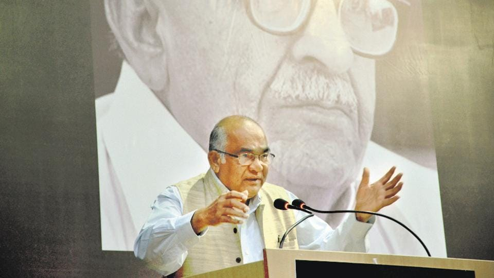 Former governor of RBI Y V Reddy addressing during Mahesh Buch memorial lecture on ' Understanding black money in India' at Samanvay Bhawan in Bhopal on October 5, 2016.