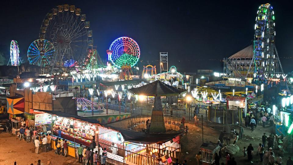 A view of Mahim fair in Mumbai. The 10-day mela began on December 3, 2017,  and will continue till December 12. (Shashi S Kashyap/HT PHOTO)