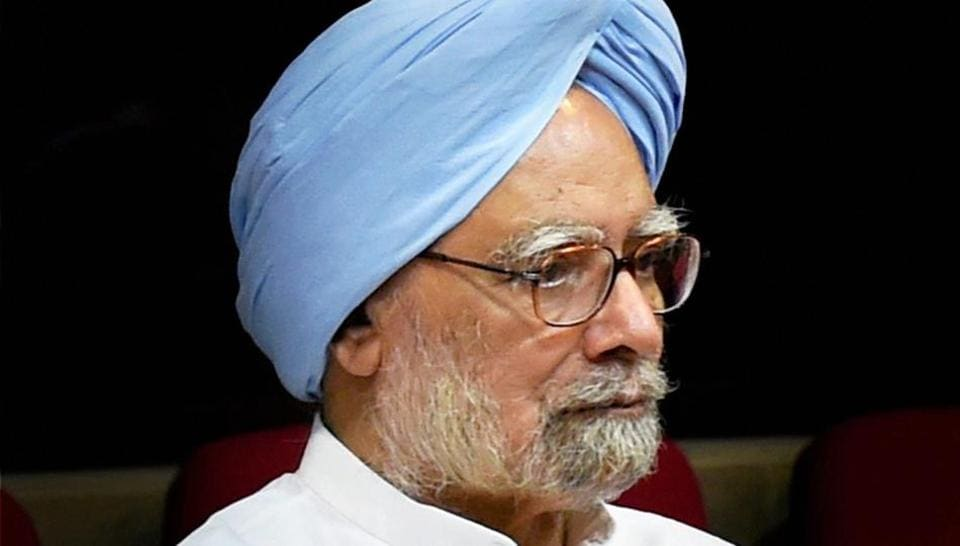 File photo of former prime minister Manmohan Singh who on Monday asked, in a statement, Prime Minister Narendra Modi to apologise to the nation over his recent Pakistan conspiracy comment.