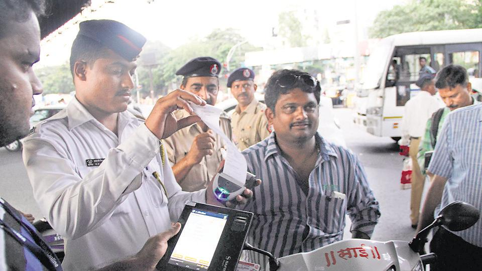 Mumbai,traffic police,fines