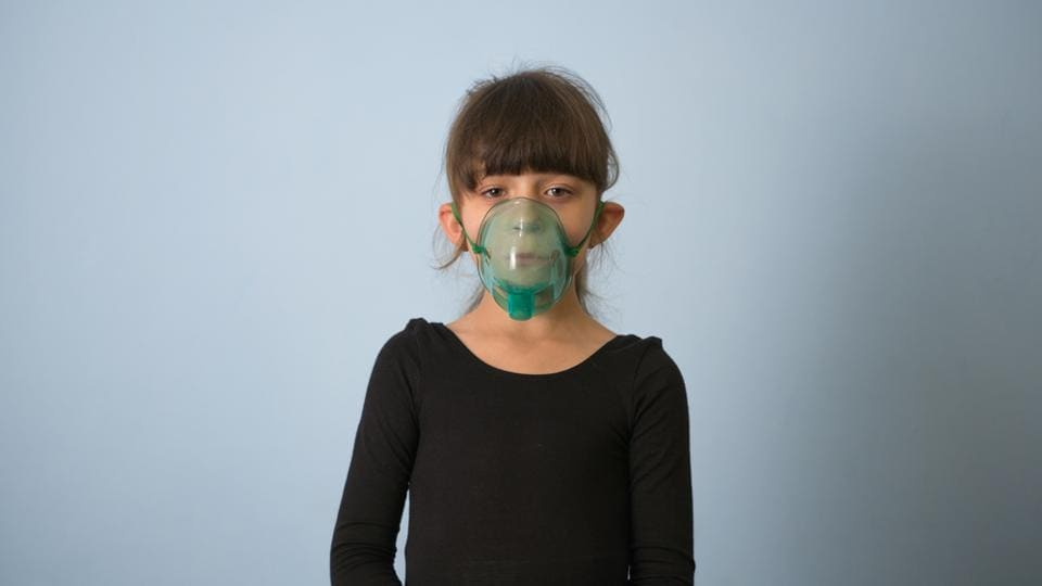 Many studies have shown that air pollution is strongly associated with respiratory conditions such as pneumonia, bronchitis and asthma, among others.