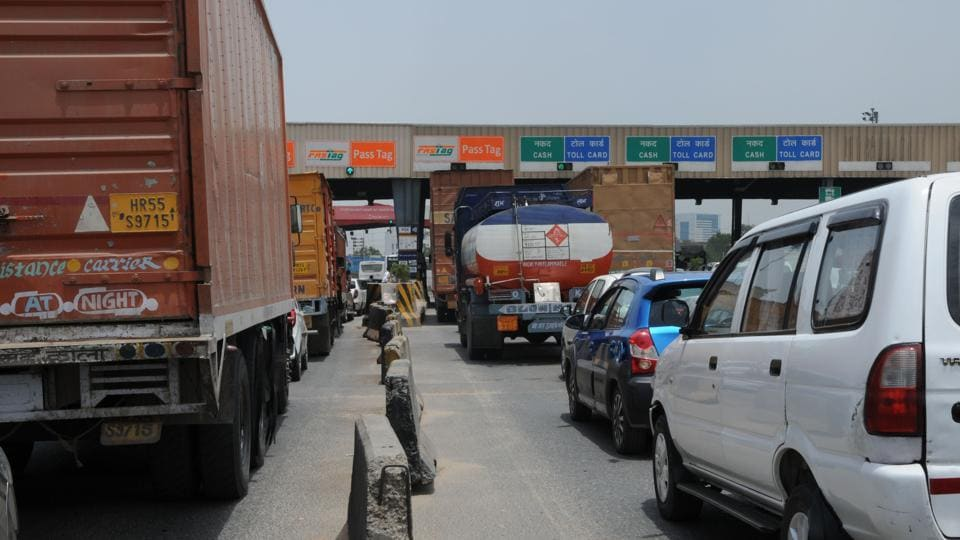 As the VIP lane was closed due to a vehicular breakdown, toll plaza staffers asked MLA Bodige Shobha to pass through the regular route. This enraged the legislator, who allegedly castigated those manning the barricades.