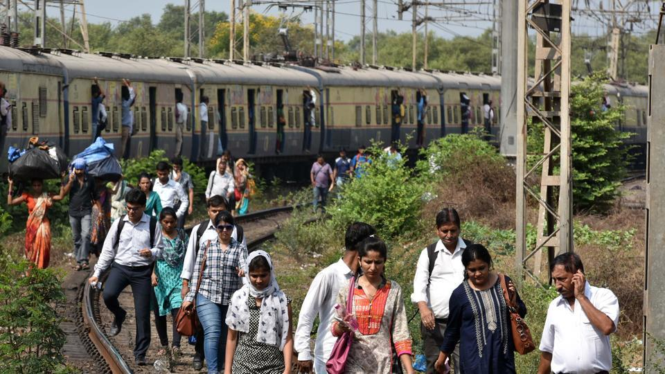 The woman fell on railway track and sustained multiple injuries, while the man fled.