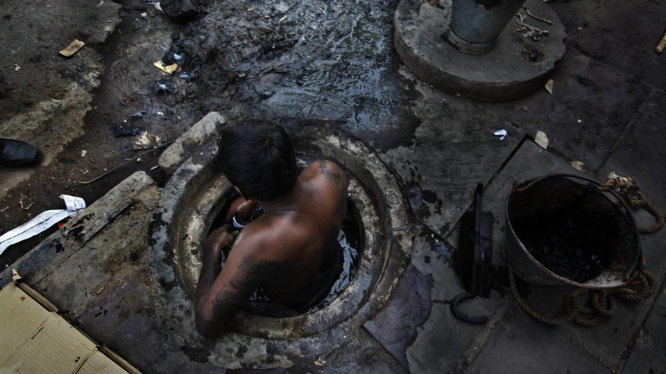 manual scavenger,manual scavenging,human rights issues