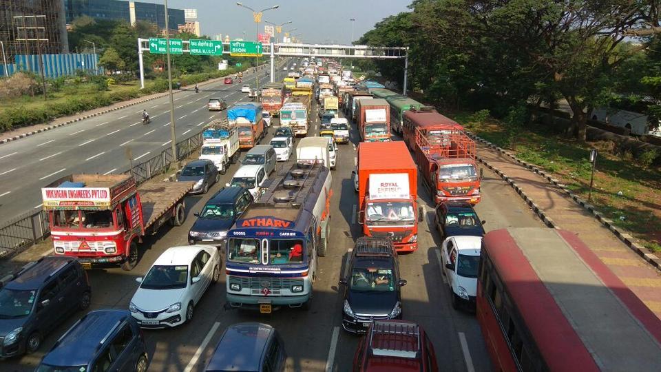 MUMBAI NEWS,MUMBAI TRAFFIC,SION PANVEL HIGHWAY