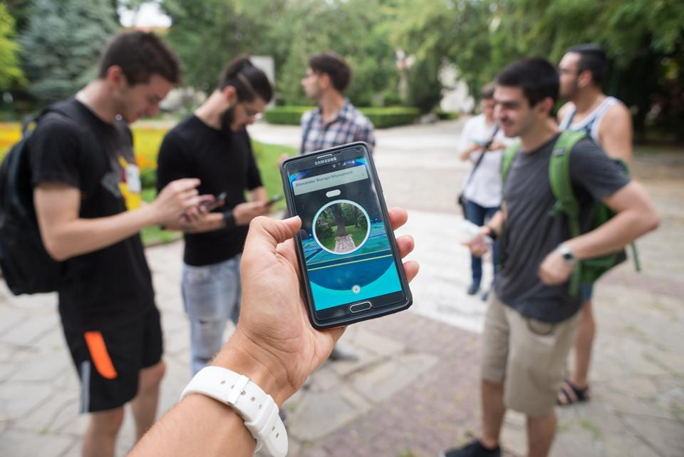 Pokemon Go,Extroverts,Introverts