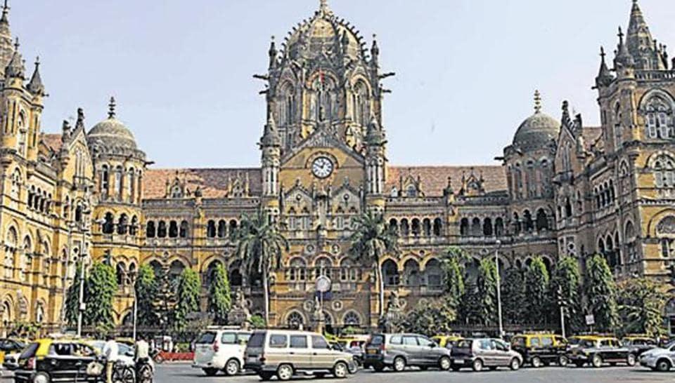 Mumbai station,Shivaji statue,CSMT station