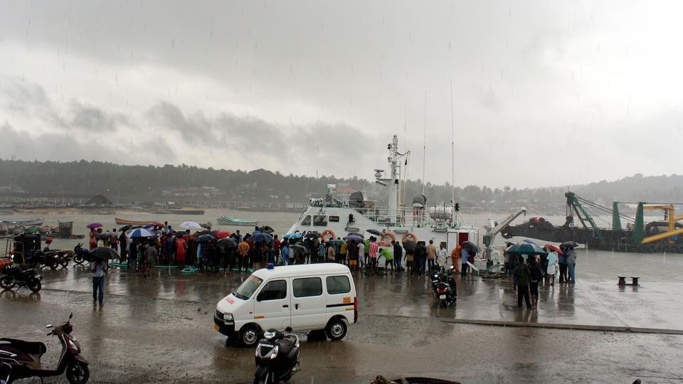 Kerala govt,Cyclone Ockhi,Pinarayi Vijayan