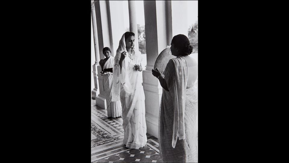 Festivities for the 39th Birthday of the Maharajah (the diamonds once belonged to Napoleon), Gujarat, Baroda (Vadodara), India, 1948. Cartier-Bresson first travelled to India in December 1947, making a 6,888 nautical mile journey by sea from England. (Henri Cartier-Bresson / Magnum Photos)