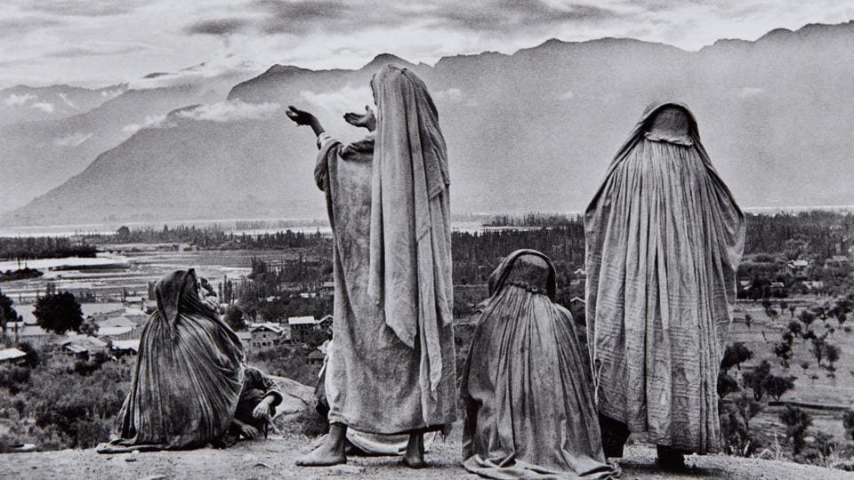 Srinagar, Kashmir, 1948. This photograph, estimated at $8000- 12000, sold for $32,500 at Phillips auction house in New York. Arguably one of Cartier-Bresson's finest India images, this depicts Muslim women praying on Hari Parbat Hill, with the rising sun illuminating the Himalayas. (Henri Cartier-Bresson / Magnum Photos)
