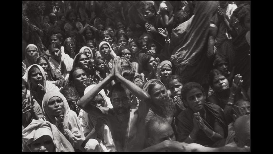 Funeral of the Bhagwan Sri Ramana Maharshi, Tiruvannamalai, India, 1950. Cartier-Bresson did not plan or arrange his photographs. His practice was to release the shutter at the moment his instincts told him the scene before him was in fine balance. (Henri Cartier-Bresson / Magnum Photos)