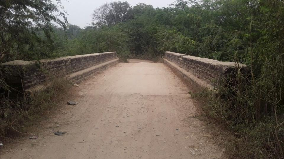 The culvert outside Ghisa Ka Purwa where children reportedly hide hooch in bushes.