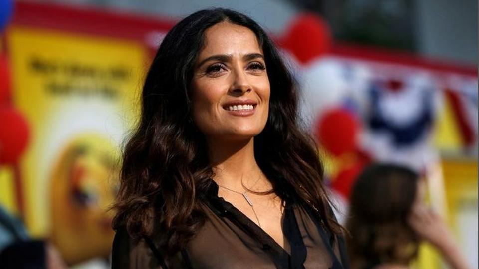 Salma Hayek accused Harvey Weinstein of  pressurising her into doing a sex scene with Ashley Judd and threatening to kill her.