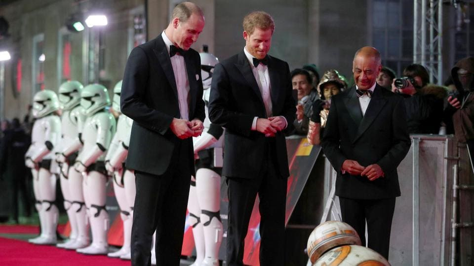 Britain's Prince William and Prince Harry, arrive for the European Premiere of 'Star Wars: The Last Jedi', at the Royal Albert Hall in central London, Britain on December 12, 2017. (Hannah McKay / REUTERS)