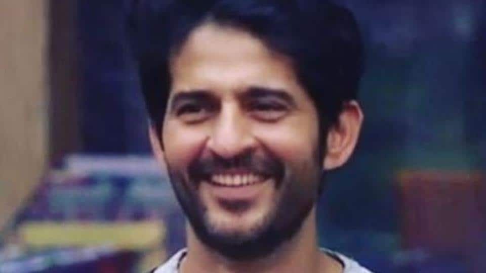 Actor Hiten Tejwani, who got evicted from Bigg Boss 11 this week, says he will miss his friends inside the house.