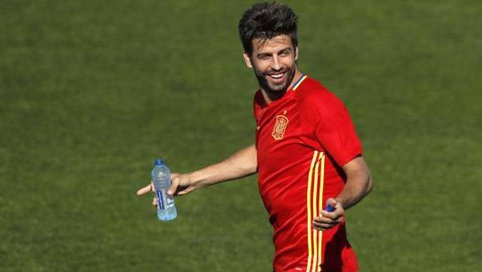 Gerard Pique believes Neymar wants to win the Ballon d'Or and this played a part in his decision to leave FCBarcelona and join Paris Saint-Germain
