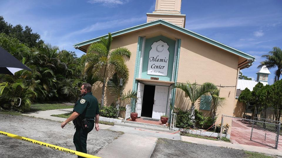 muslim single men in fort pierce Law enforcement officials investigate a fire at the islamic center of fort pierce, which was the mosque attended by the pulse nightclub gunman, who killed 49 people in orlando on sept 12, 2016 in fort pierce, florida.