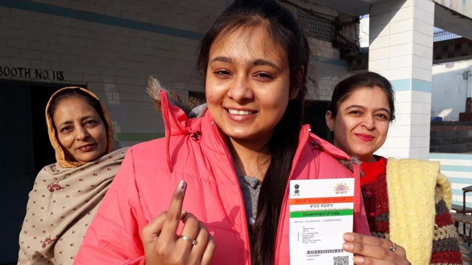 Jasleen Kaur, a first time voter, after casting her vote in Jalandhar. (Pardeep Pandit/HT)