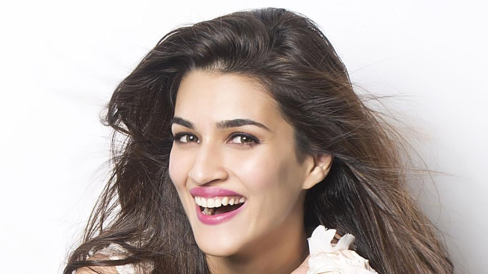 Actor Kriti Sanon made her debut alongside Tiger Shroff in Heropanti.