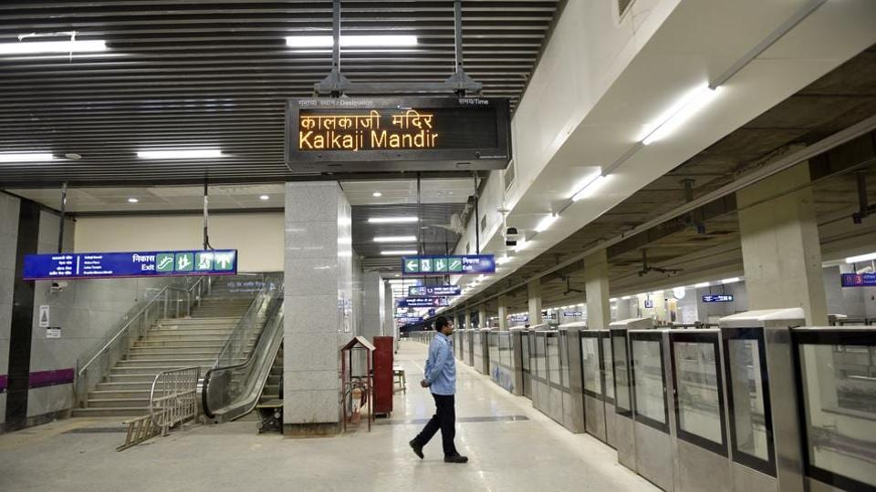 An inside look of Kalkaji Mandir underground station on Delhi Metro's Magenta Line. The line is likely to shave off 45 minutes travel time between Noida and south Delhi.