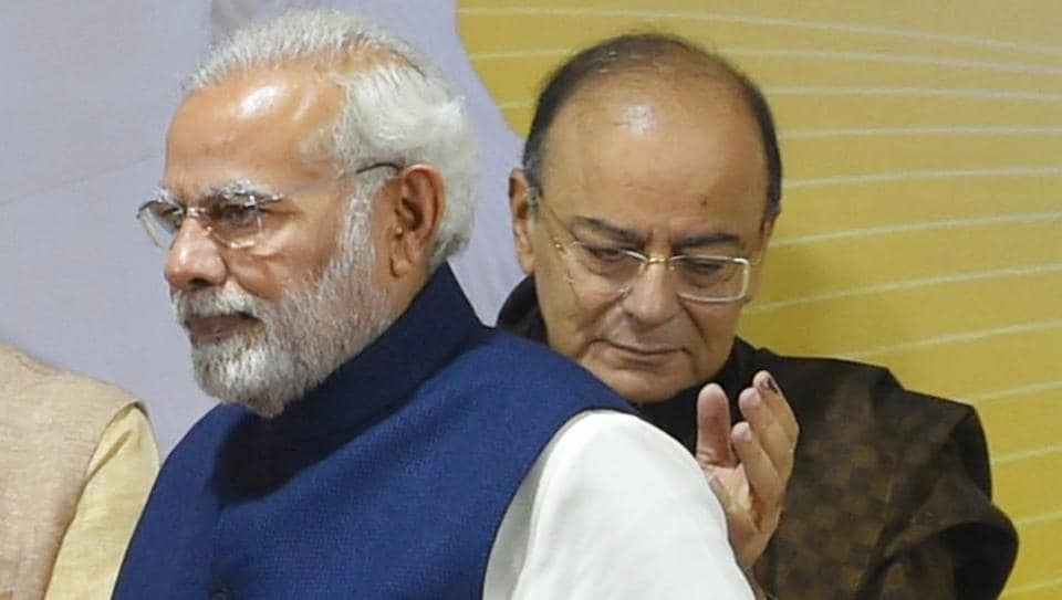 Prime Minister Narendra Modi and finance minister Arun Jaitley at a felicitation function in New Delhi on Monday, after the party's win in Gujarat and Himachal Pradesh assembly elections.